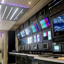 Ultra high definition (4K) all media OBVan