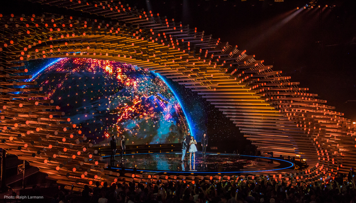 Al Gurdon designs 140 fixtures into ESC 2015's opulent set