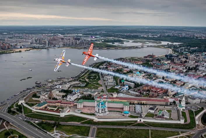 Raceplanes dance over Kazan's cultural landmarks ahead of Air Racing this weekend
