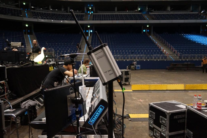 """XIRIUM PRO provides rock-solid wireless audio transmission and pure sound at Udo Lindenberg's """"Keine Panik! Tour 2016"""""""