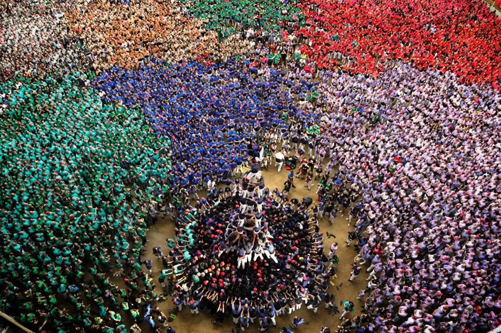 Spain plays host to human towers Watch talented teams rise high at the extraordinary Concurs de Castells event