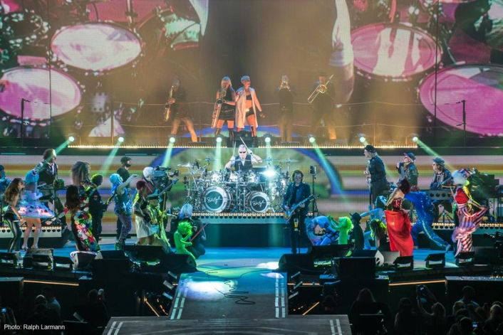 "XIRIUM PRO provides rock-solid wireless audio transmission and pure sound at Udo Lindenberg's ""Keine Panik! Tour 2016"""