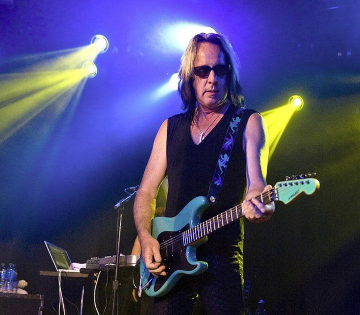 Todd Rundgren PDI LMG Robe Global