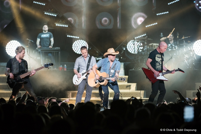 Mike Swinford showcases Ayrton fixtures with Jason Aldean