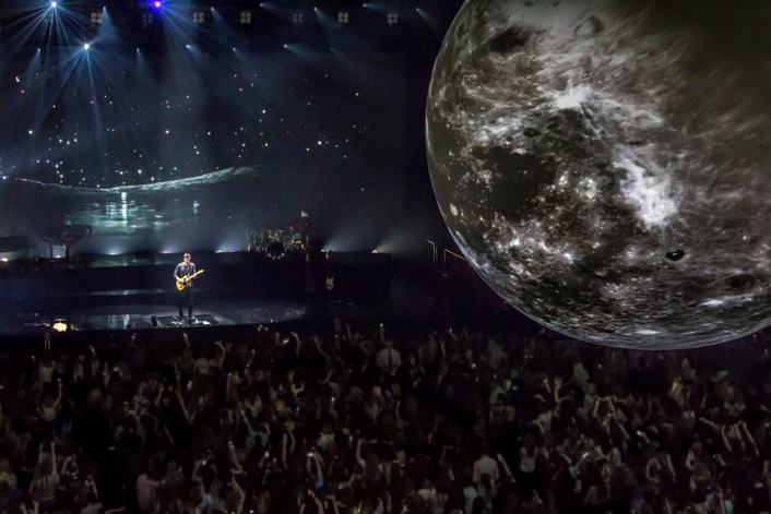 Airstar Gets Intimate with Shawn Mendes  for his Illuminate World Tour