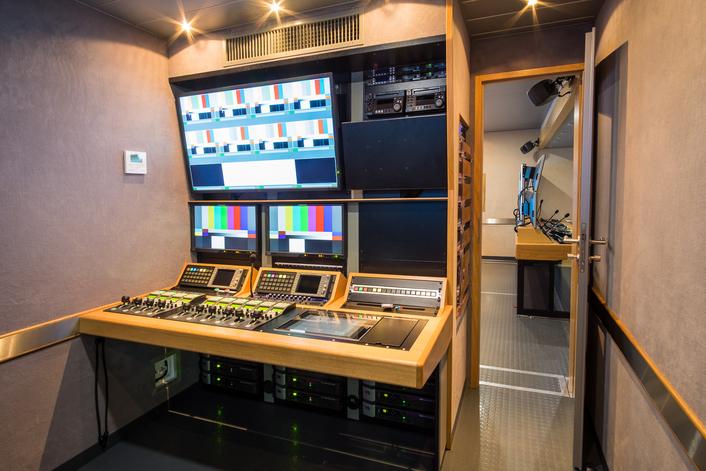 O2 Czech Republic Uses Streamline S16 OB Van for Live Production of Czech Football Major League