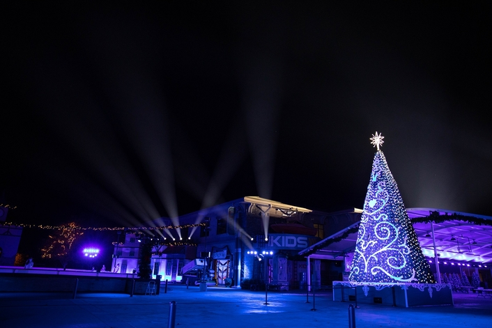 Elation IP-rated lighting for California Bayside's outdoor Christmas village and light show