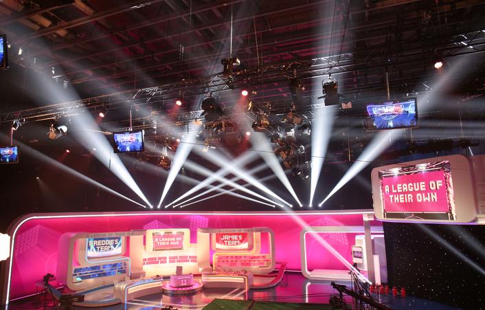 Drapes and rigging expert Blackout, working for CPL Productions, returned to supply Sky One's sports comedy panel show 'A League of Their Own', October 2016