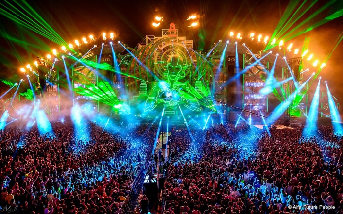 Russian lighting designer Marina Larikova dubbed Claypaky fixtures as 'the best creative devices' after using 125 of the leading Italian brand's moving heads and strobes in her lighting design for cutting-edge electronic dance music (EDM) AFP festival