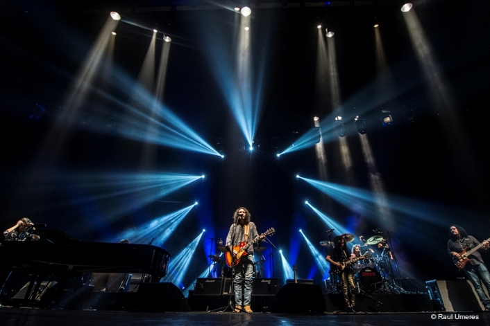Rock band Amén's 20th Anniversary Concert Lights up Lima with Claypaky Mythos2 and Sharpy