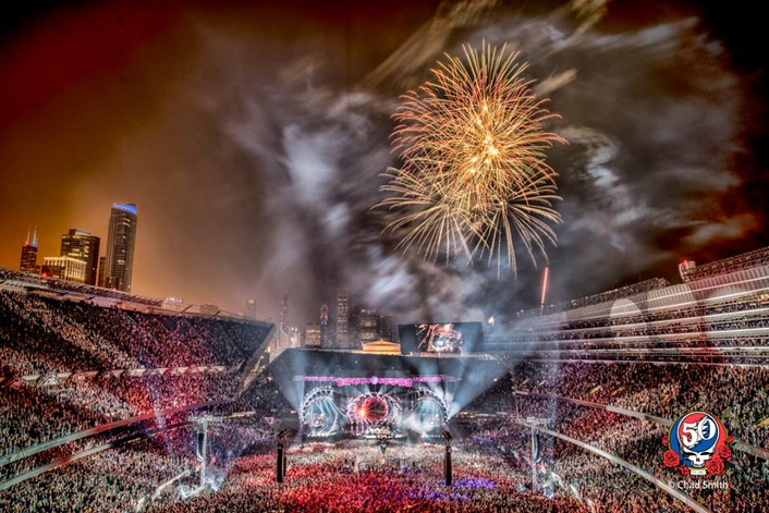 Additional resonance touched the Soldier Field event as it was also the site of the last Grateful Dead concert 20 years previously … to feature the late great Jerry Garcia on lead vocals & guitar.