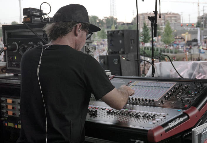 Spectrum Sound's desks offer the right sound, size and price for the indie singer-songwriter's tour