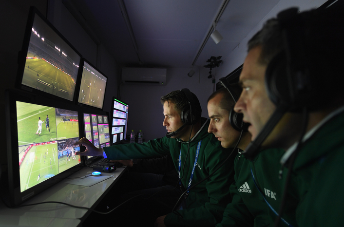 Video Assistant Referees to be tested at FIFA Club World Cup Japan 2016