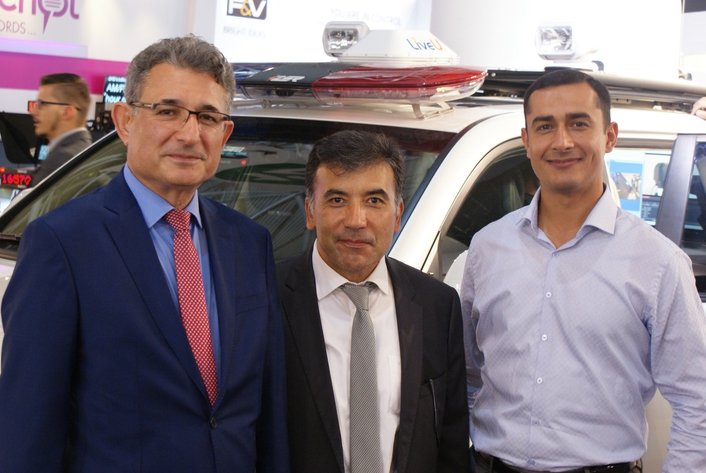 Azerbaijan Ministry of Emergency Situations Take Delivery of New Mobile Communications Vehicle