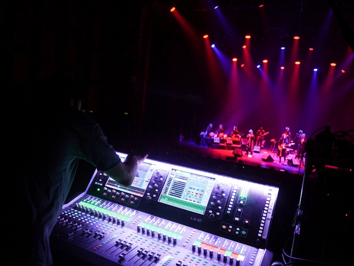 DLIVE MANAGES SPECIAL PERFORMANCE FOR JONNY GREENWOOD PROJECT