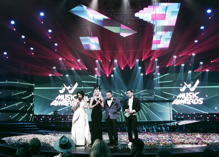 Clay Paky delivers 'extraordinary' light show on Ukraine M1 Music Awards