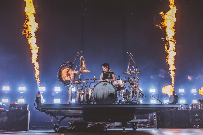 Clay Paky Lighting Fires Up Mana's Cama Incendiada World Tour