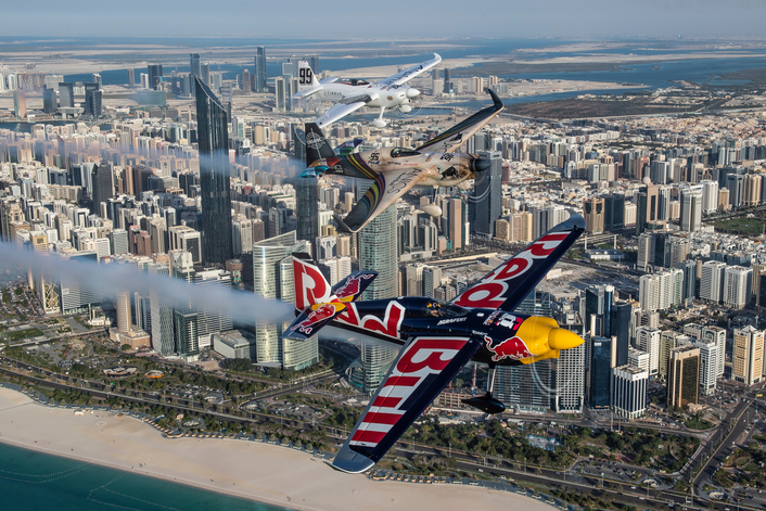Spectacular scenes as Air Racing stars take off in Abu Dhabi