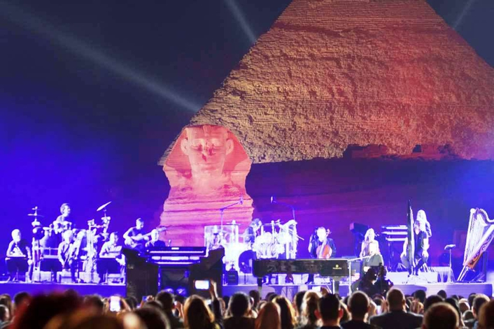 Martin Lighting Fixtures Shine on Yanni at the Great Pyramids of Egypt