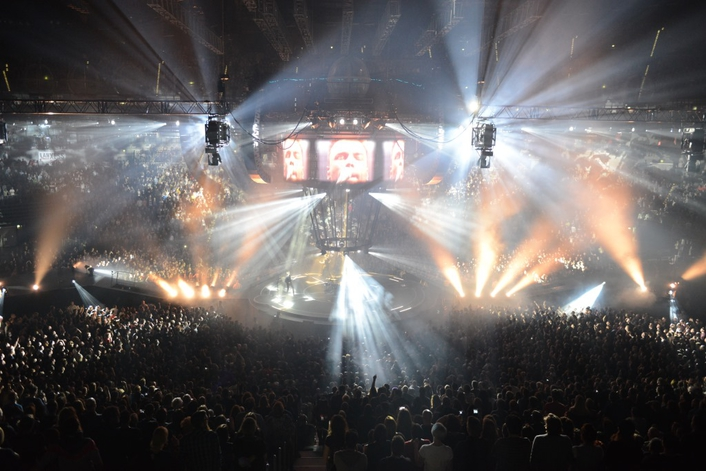 BlackTrax flies high for Muse on its Drones worldwide arena concerts