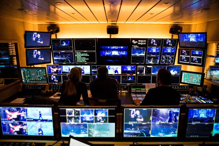 UHD 2 - Broadcast Solutions und NEP The Netherlands bauen gemeinsam großen 24-Kamera UHD Ü-Wagen