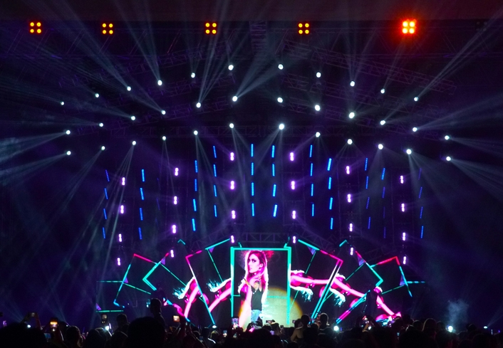 """Over 100 Elation fixtures set the party atmosphere for Nicky Jam """"Intimo Tour"""" in Honduras"""