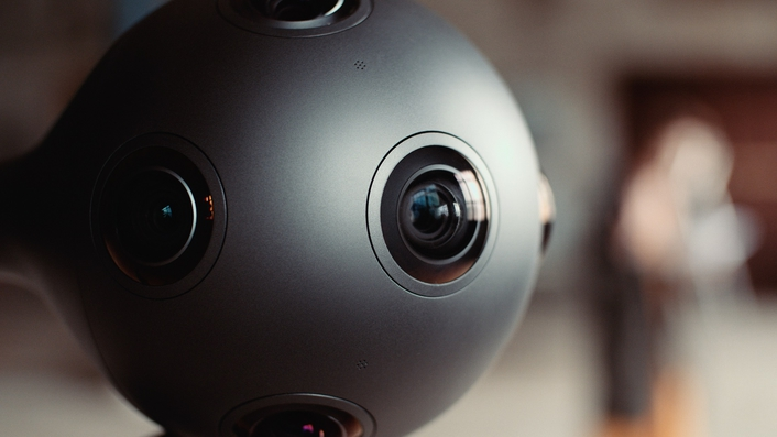 Eight-lens OZO camera uses high-resilience JPEG2000 wavelet compression for dynamic rendering and real-time view