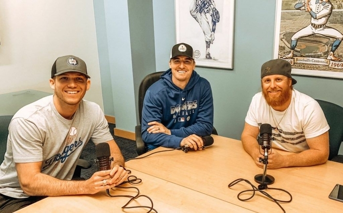 """THE BIG SWING"" PODCAST HITS A HOMERUN WITH MXL MICROPHONES"