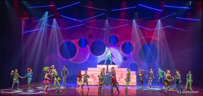 "Belgian visual design practice Painting with Light's Paco Mispelters has added imagination and style to the current Studio 100 tour of new youth musical ""Unidamu""."