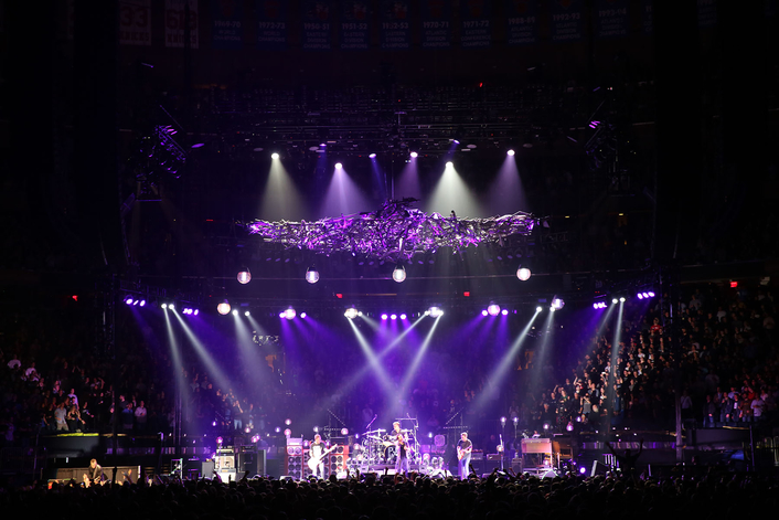 Clay Paky Scenius Moving Head Spots Join Pearl Jam Tour