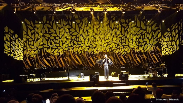 Philips Lighting paints a magical picture for Bosnian folk star Bozo Vrećo