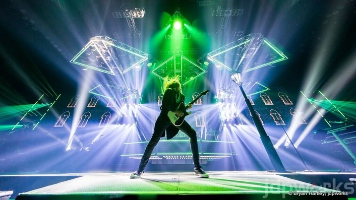 Philips Lighting creates a theater of light for Trans-Siberian Orchestra