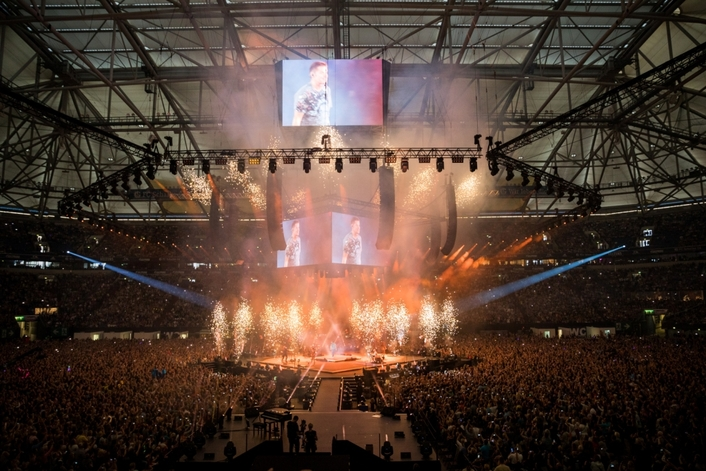 8 Days a Week deploys a complete JBL by HARMAN VTX Series audio system for a massive concert in front of 67,000 music fans