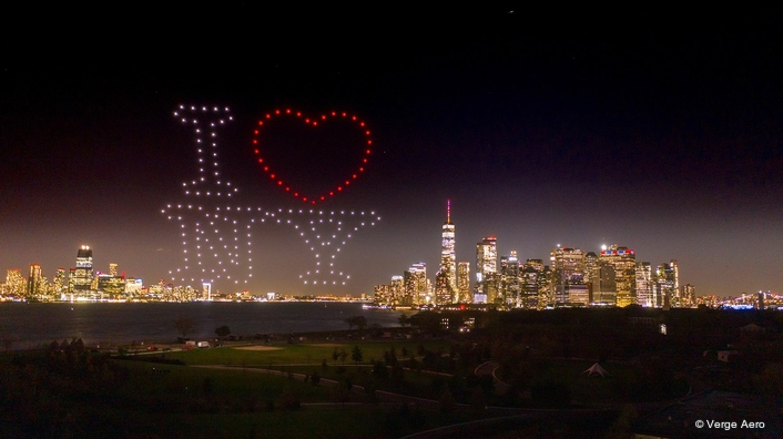 iHeartMedia New York's 106.7 LITE FM Flips to All Christmas Music with Stunning NYC Drone Light Show by Verge Aero
