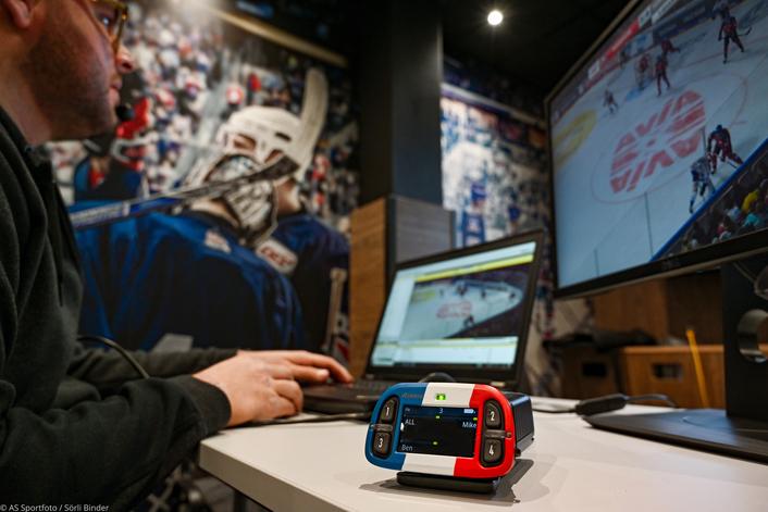 Adler Mannheim, Champion German Ice Hockey Club, Scores With Riedel's Bolero Wireless Intercom