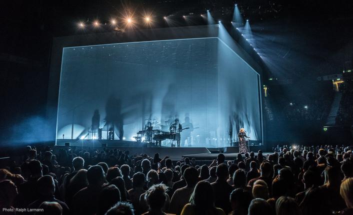 Robe BMFLs Say Hello on Adele Tour