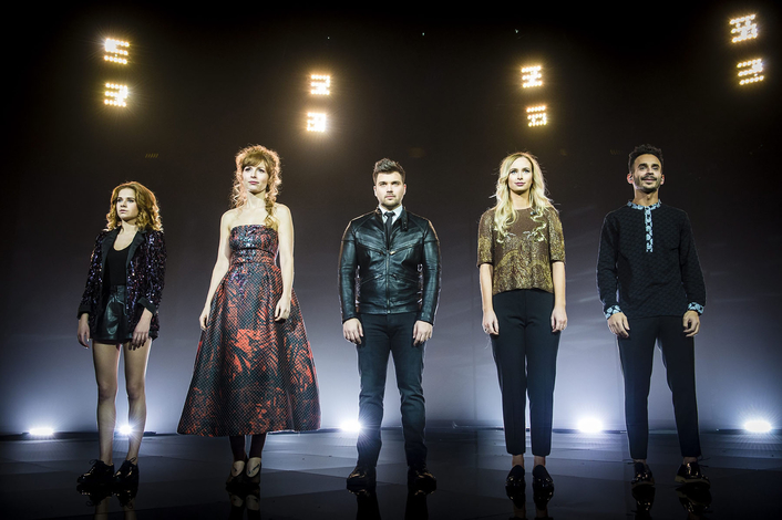 Belgian Eurosong Takes the Square Route  of Robe
