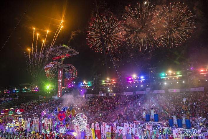 Robe Celebrates Singapore Chingay Spectacle
