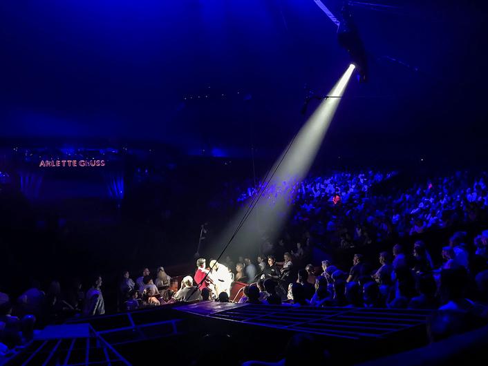 Arlette Gruss Circus Robe RoboSpot