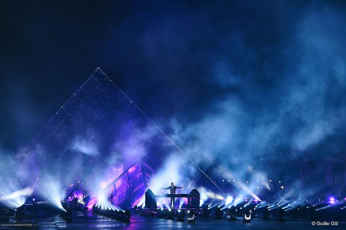 Lighting the Louvre for David Guetta
