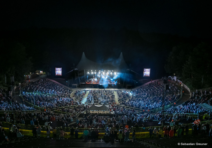 Robe for Berlin 'Back to Live'  Waldbühne shows