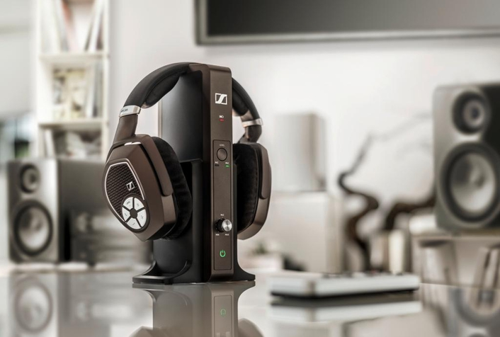 A winning combination of design and sound performance – Sennheiser products honored at German Design Awards