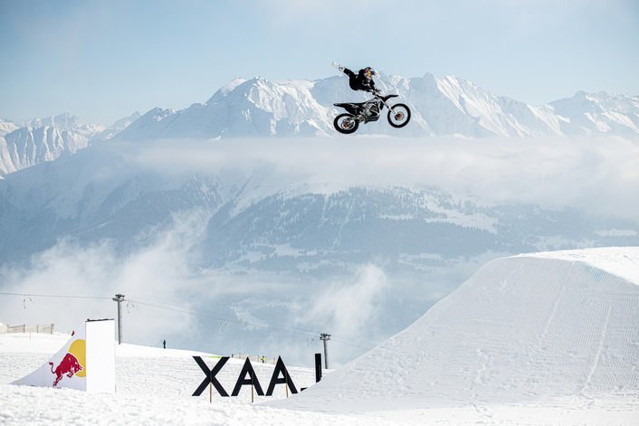 Red Bull X-Fighter champion shreds obstacles on electric powered bike.