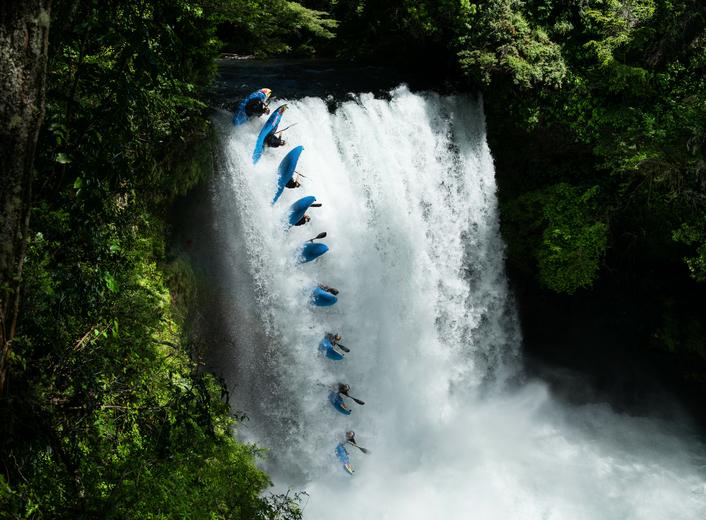Serrasolses kayaks down snowy mountain at 100km/h