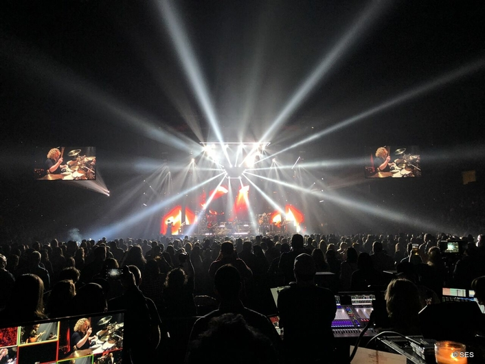 SES Redesigns Zac Brown Band Touring Rig with Versatile Claypaky Scenius Unicos