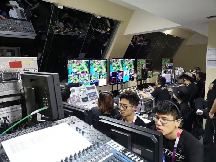 The Shanghai Media Tech (SMT) team undertook the technical work of the six e-sports projects of the Asian Games in Jakarta.