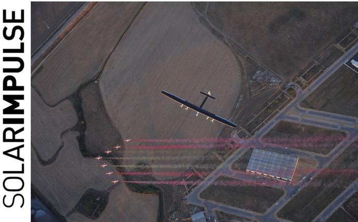 Piccard lands in Spain after crossing Atlantic in Solar Impulse 2
