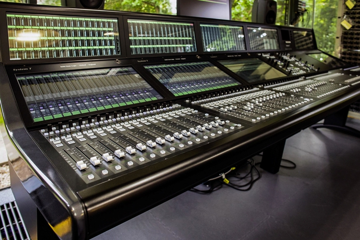 SSL's SYSTEM T GOES LARGE