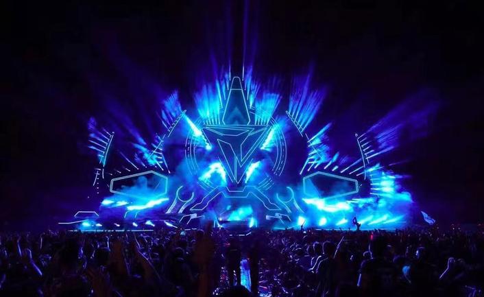 Storm Electronic Music Festival: Qi Flow meets EDM Lighting