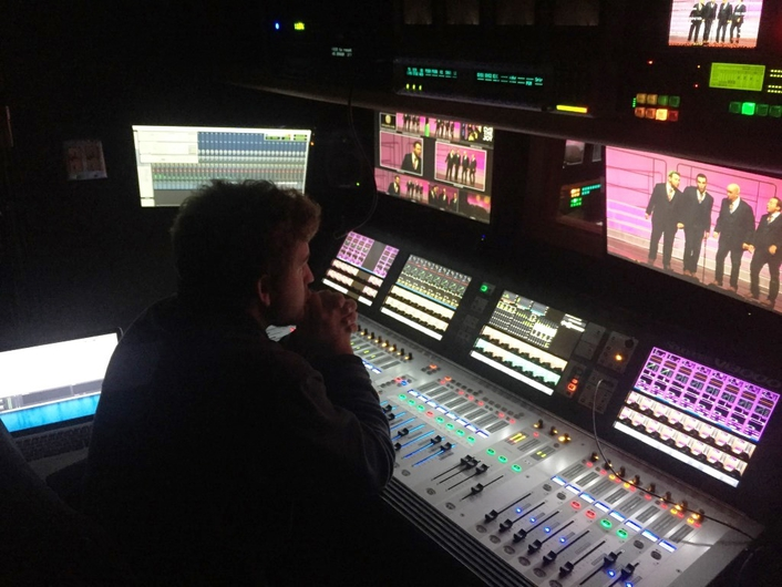 Mobile production specialist provides arena production, web streaming services in partnership with AEG LIVE